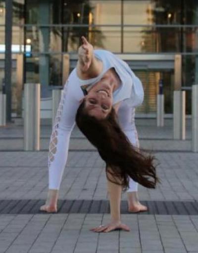 Shannon Moyneur Caffe Yoga